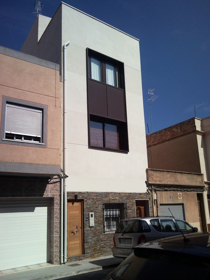 Foto vivienda unifamiliar entre medianeras de arquitecto - Vivienda entre medianeras ...