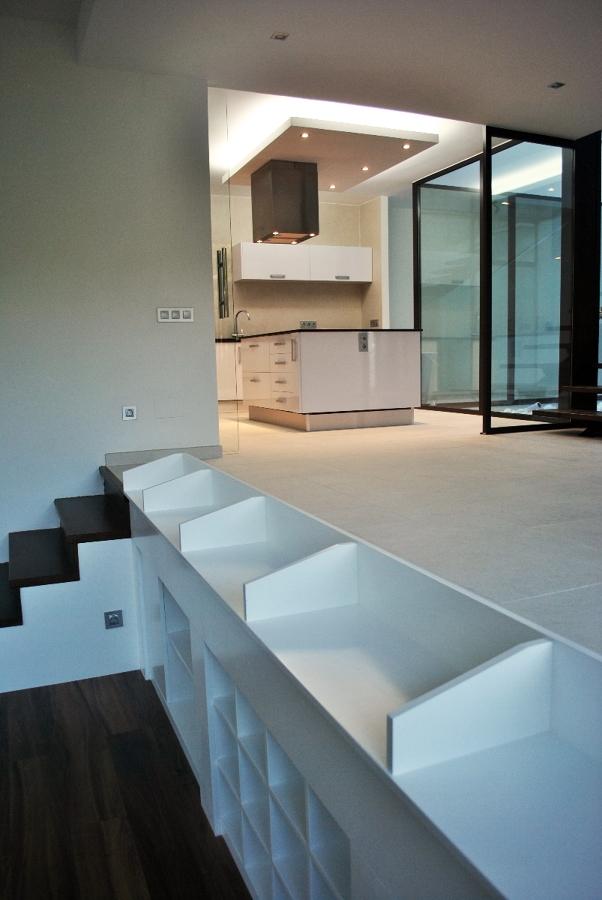 Foto vivienda unifamiliar mueble revistero de sans - Sans arquitectes ...