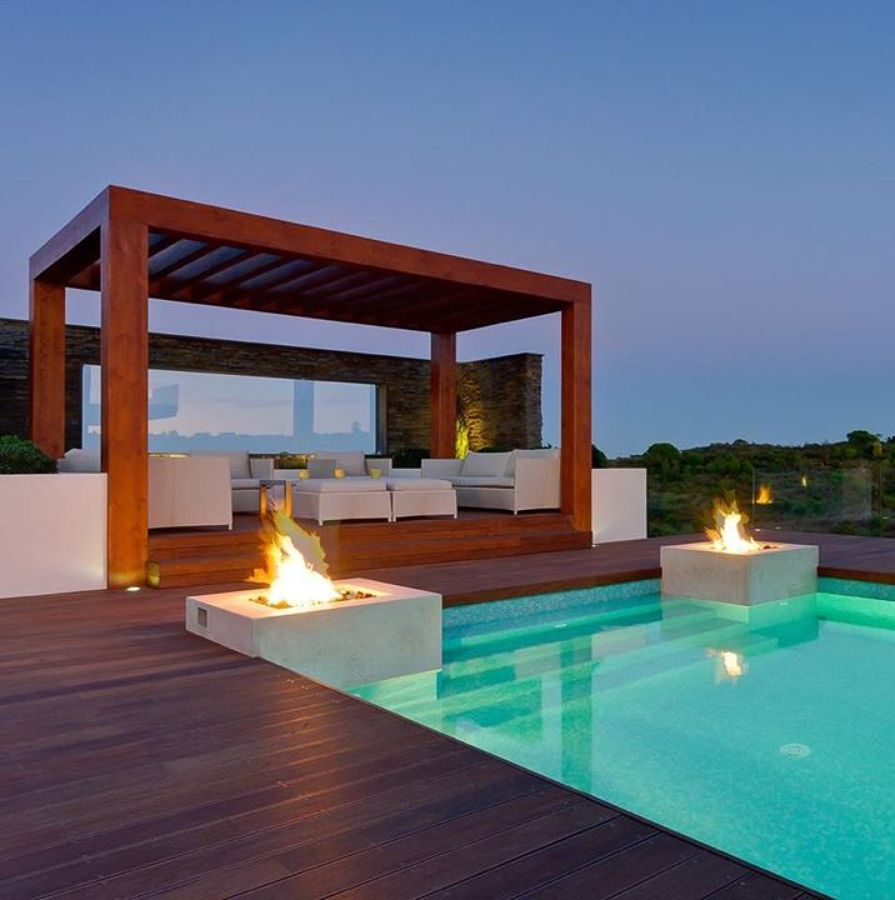 Iluminación en piscina y terraza con leds