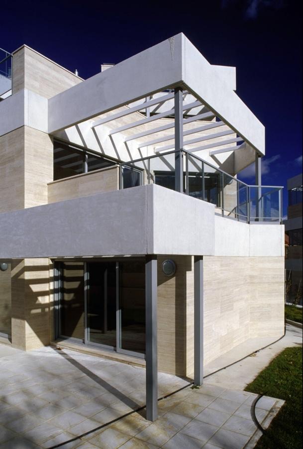 Foto viviendas de lujo en aravaca madrid colab de c for Viviendas lujo madrid