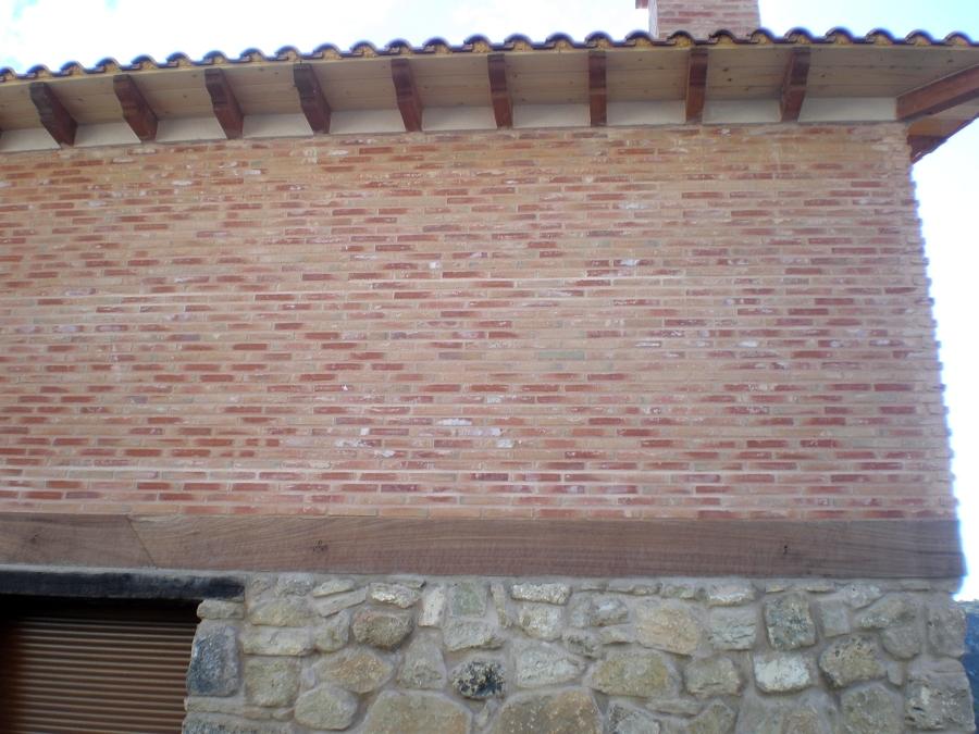 Foto vuelos de tejado en madera de j c escribano 302914 for Tejados de madera barcelona