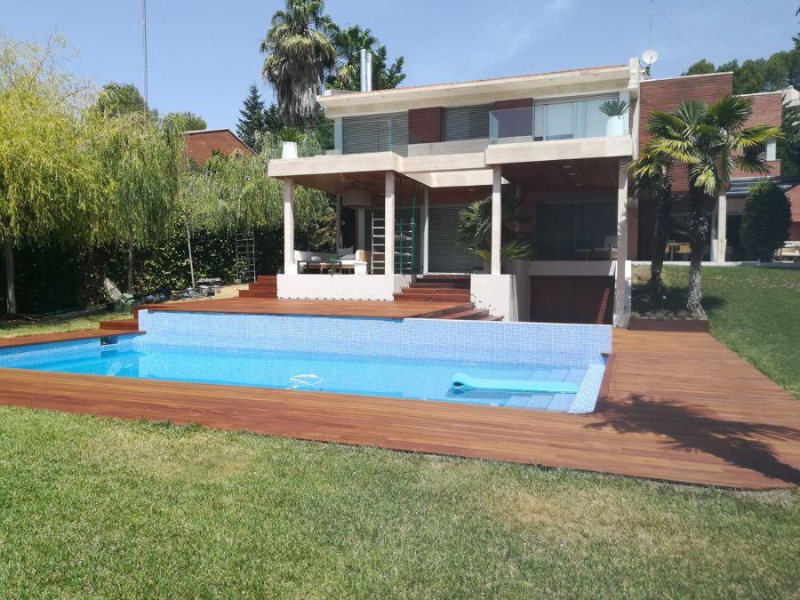 Ampliacion de Tarima de Ipe exterior piscina.