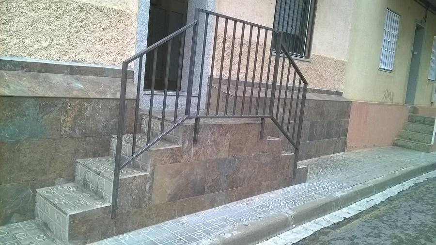 Foto corte de escalera alicatado exterior de c a r - Reformas de escaleras ...