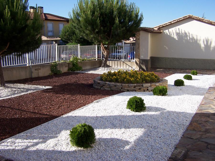 Foto xerojardineria de paisaje jardiner a profesional for Jardineria huelva