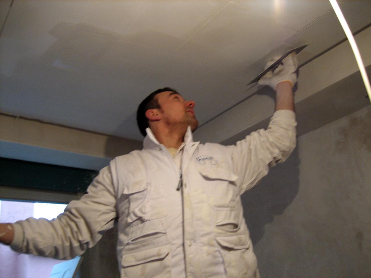 yo mismo luciendo todo el techo escayola