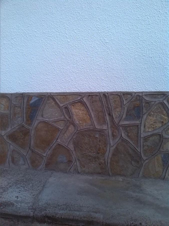 Foto z calo de piedra de construcciones valverde - Zocalos de piedra ...