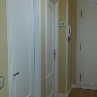 lacado de puertas y alisado de paredes y techos