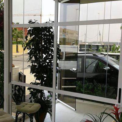 Armario entrada con cortina vidrio