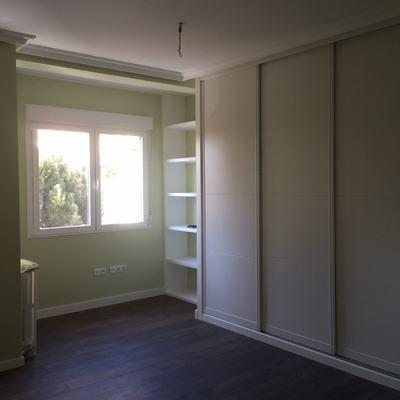 Dormitorio en vivienda