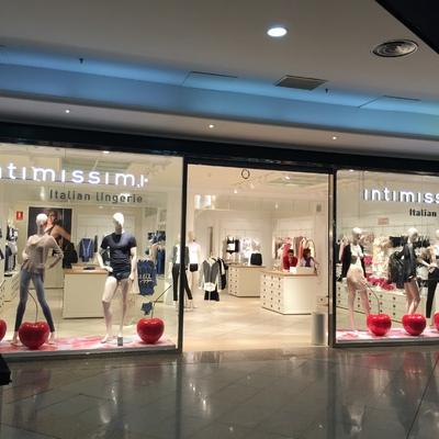Fachada tienda Intimissimi