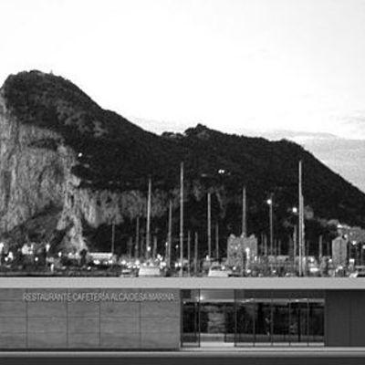 Anteproyecto para restaurante y tienda náutica 01.