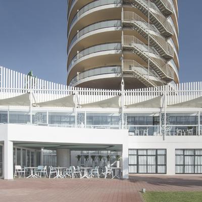 Cafetería Hotel Puente Real 02