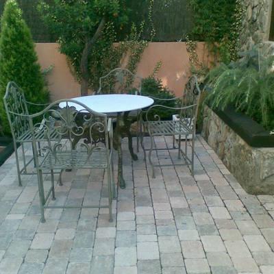 Presupuesto adoquines online habitissimo for Adoquines para jardin