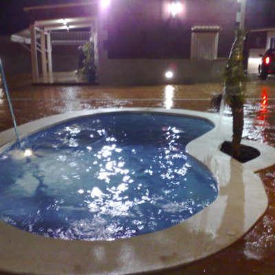 piscina riñón de hormigón gunitado en Xátiva