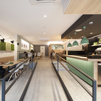 Cafetería con rampa para discapacitados físicos | Sincro