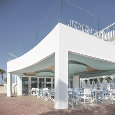 Cafetería Hotel Puente Real 01