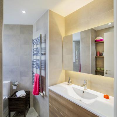 Reforma de baño en vivienda de 120 m2