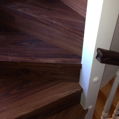 forro escalones con quick-step nogal