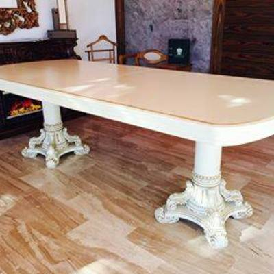 Mesa grande de madera