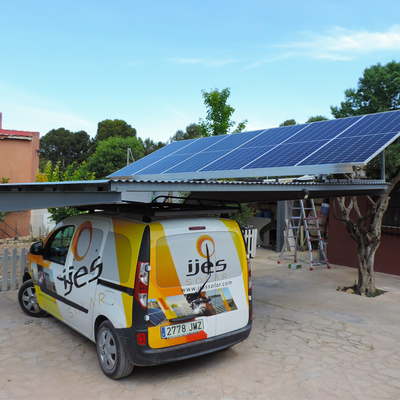Fotovoltaica aislada sobre parking
