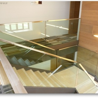 Escalera Acero Inox y cristal