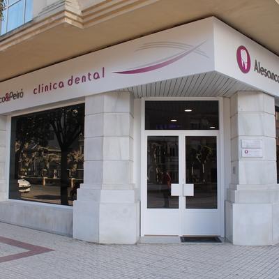 Reforma de bajo para clínica dental en Santo Domingo