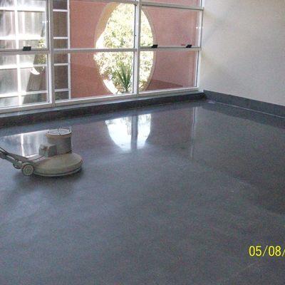 Cristalizado de terrazo negro despues de pulido