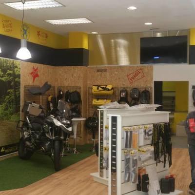 Montaje de tienda Touratech