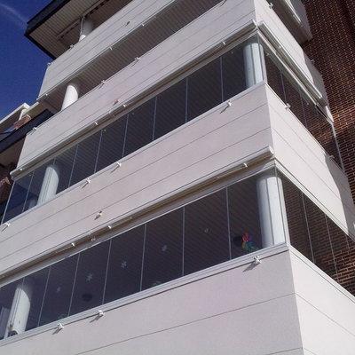 Instalación de Cortinas de Cristal en dos terrazas de una comunidad