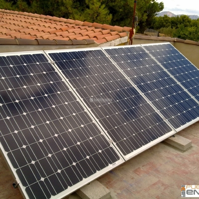 Placas Solares, Energía Solar, Energía Eólica