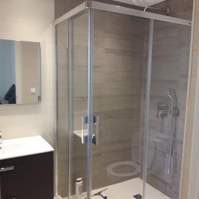 Baño cómodo y práctico
