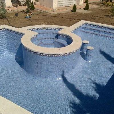 gran diseño de piscina