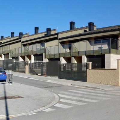 Piera. 12 casas unifamiliares adosadas en Can Bonastre.
