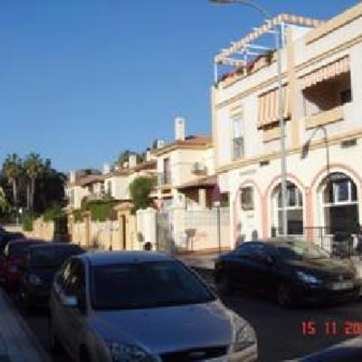 12 viviendas adosadas en urb Los Canarios