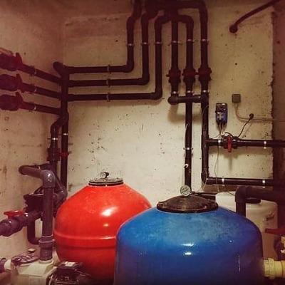 Renovación fontanería en cuarto de bombas de piscina
