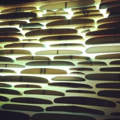 Falsa pared iluminada interior modelo surf Wall