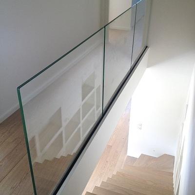 Baranda en vidrio templado