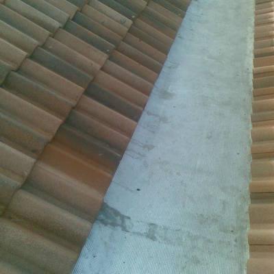 Reparación de goteras de tejados.