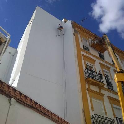 Rehabilitación fachada en Sevilla