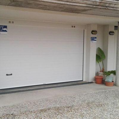 Puertas seccionales de apertura vertical