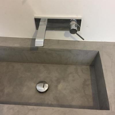 Detalle lavabo en vivienda años 40