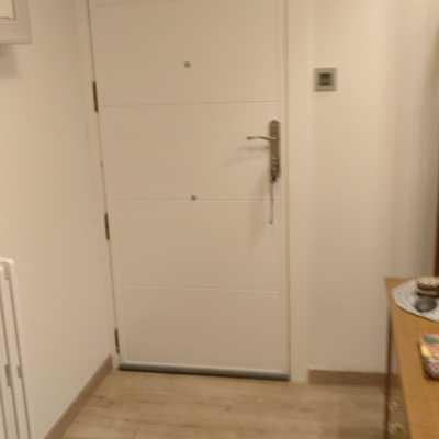 Forrado interior puerta vivienda