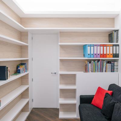 Librería de dormitorio-despacho