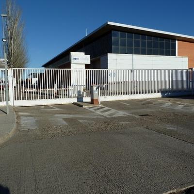 18- Puerta corredera de 10 metros