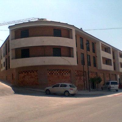18 viviendas,garaje y local comercial en Estepa
