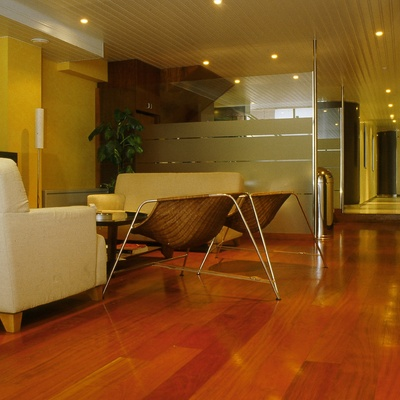 Parquet, falsos techos, pintura decorativa