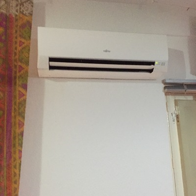 Instalación aire acondicionado split marca Fujitsu