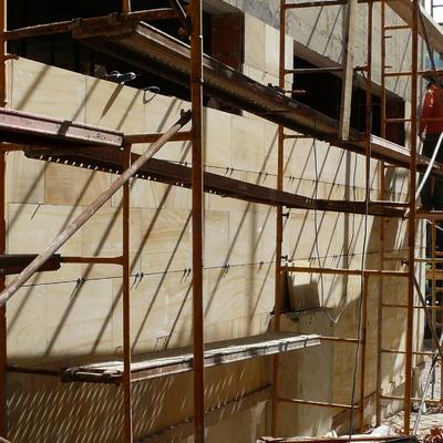 Colocación piedra natural en fachada II