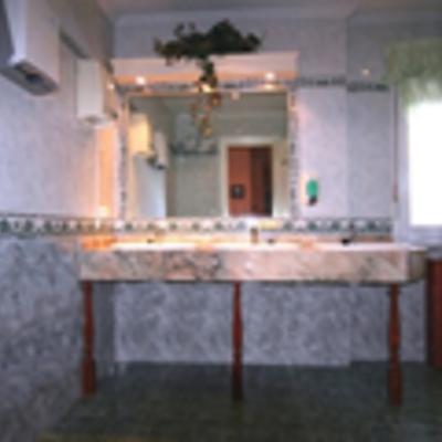 Baño de Minusválidos en residencia geriátrica.