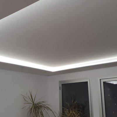 Iluminación indirecta en saĺón